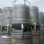 Image for the Tweet beginning: 800 litre IBC's for liquid