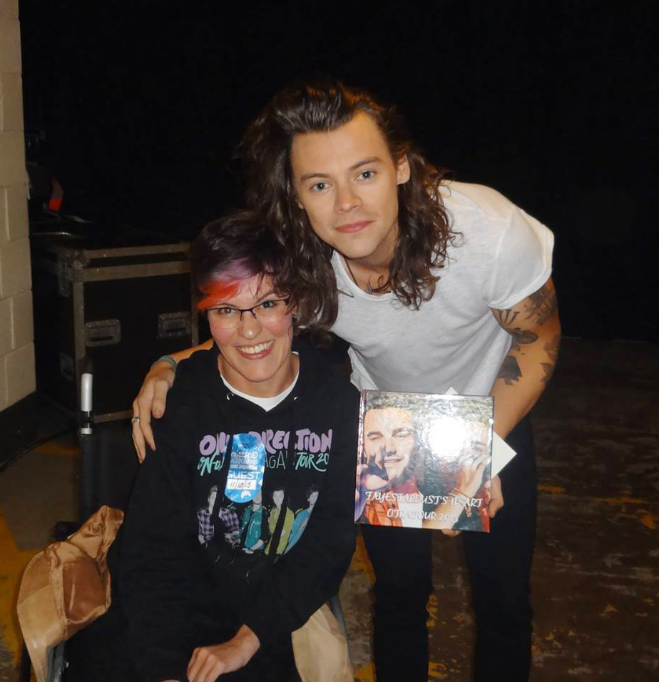 I got to give my art to the boys (Niall was there too, I swear), in Birmingham. It was like a dream. They were all sweethearts and I also, on that day, became a Harrie. Hahaha. #10YearsOfOneDirection