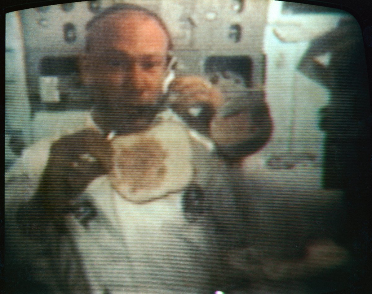 It's Mealtime! Buzz Aldrin makes a sandwich in zero gravity conditions in this color reproduction, taken from a TV transmission aboard the Apollo 11 spacecraft during its  journey home from the moon. https://t.co/YQVvSXp4Rg