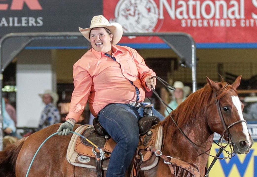 Following her taking 1st, 2nd, and 3rd at the BFls All Girls Challenge Team Roping, Whitney DeSalvo became the first and only female heeler to earn a #8 classification in team roping. Watch our interview with Whitney: buff.ly/2CApDF8 Photo: Olies Images