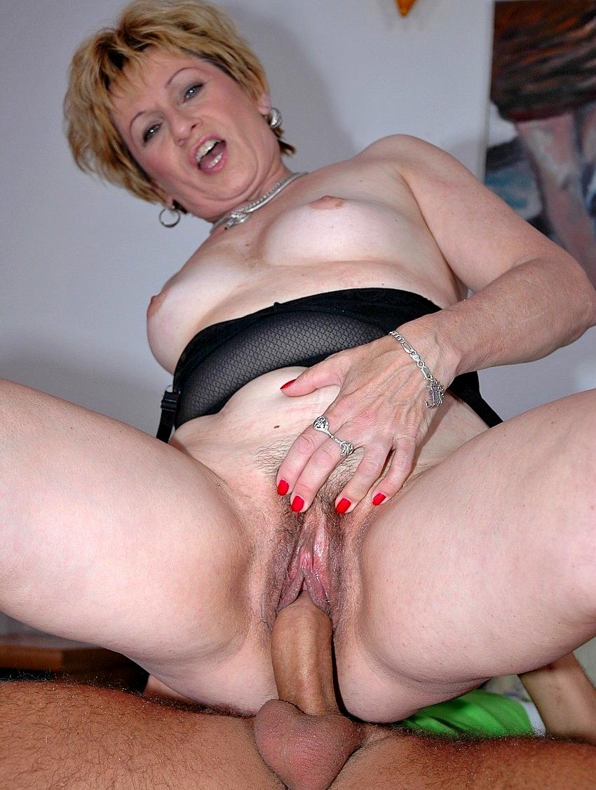 Plump horny granny provoking guy into fucking