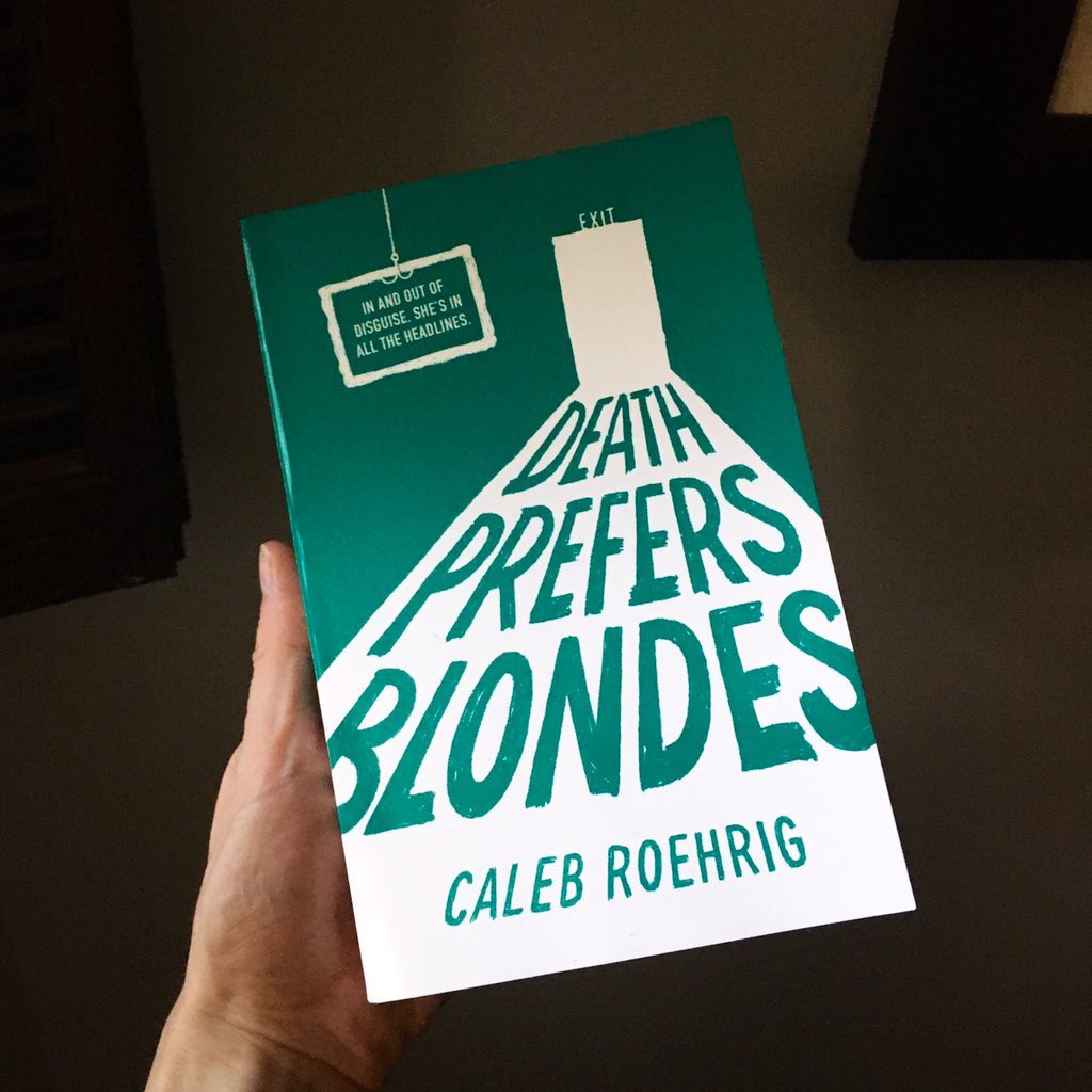 💝 I've got a bunch of books lying around, so how about a GIVEAWAY?? RT + follow me by Tuesday (the 28th) to win a signed paperback of DEATH PREFERS BLONDES! Two winners will be chosen. Find out what happens when drag queens stop being polite and start stealing jewels!! (US only) https://t.co/7RTZP4qQ9p