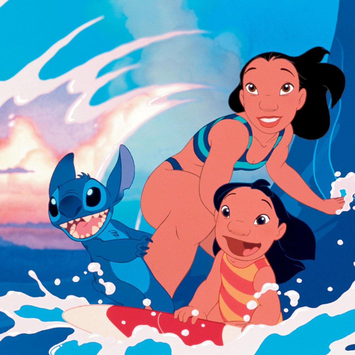 Une famille parfaite pour Stitch ! #LiloetStitch https://t.co/4JQSppzjSN