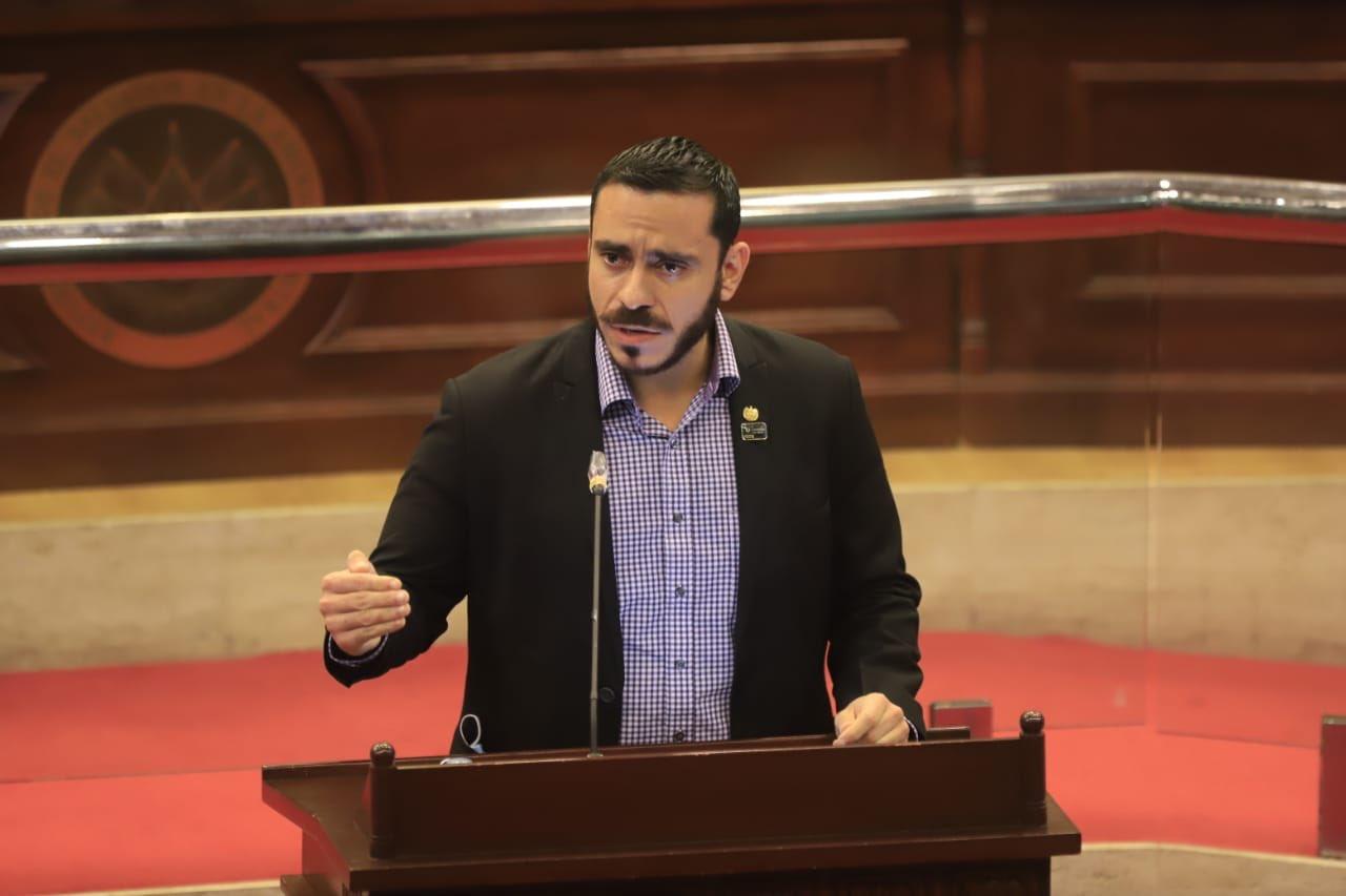 Denuncia: ministro Alabí no paga salarios a profesionales contratados para atender pandemia