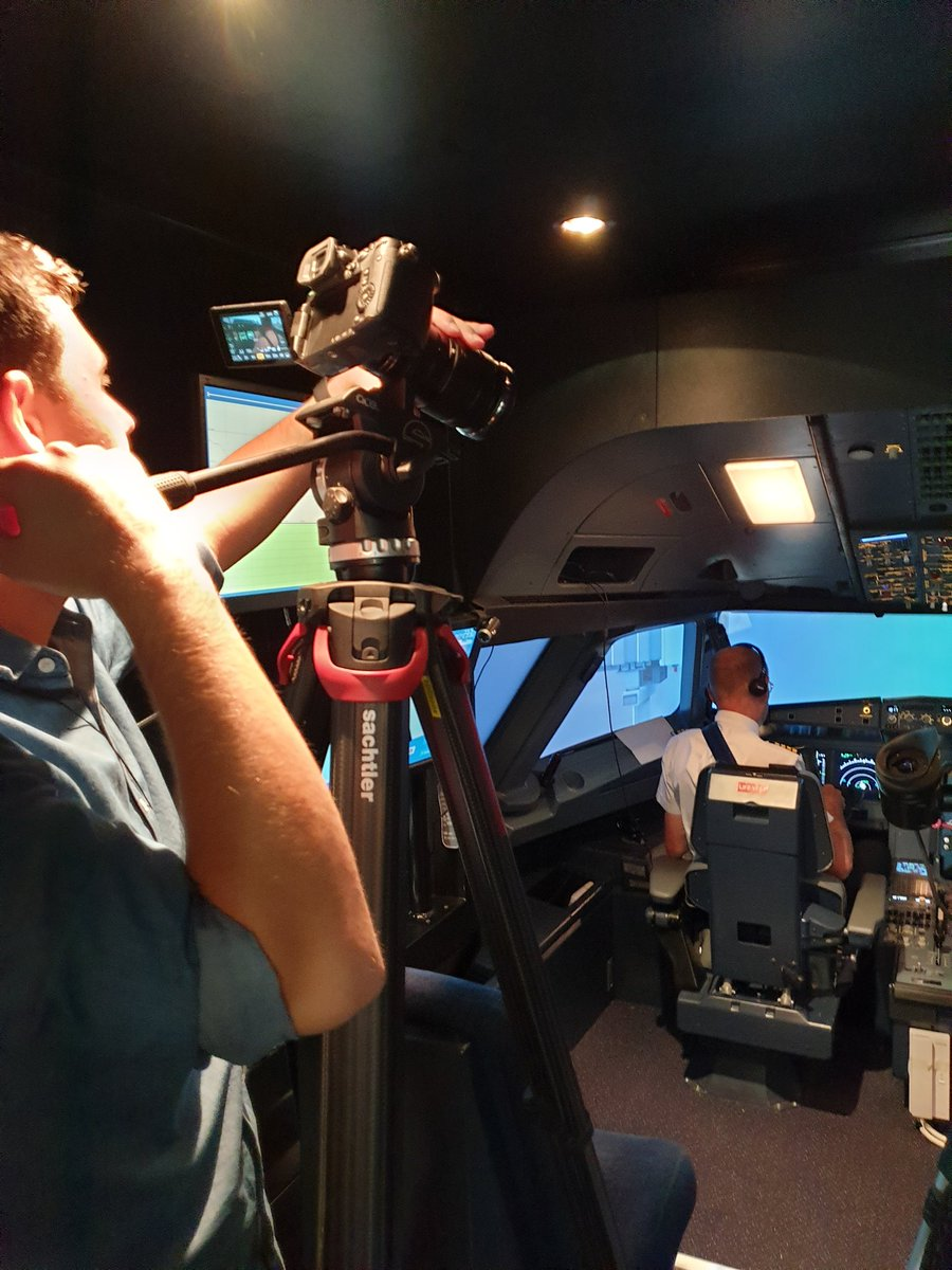 Check out what your extremely talented video production team can do in the #USQ #flightsimulator