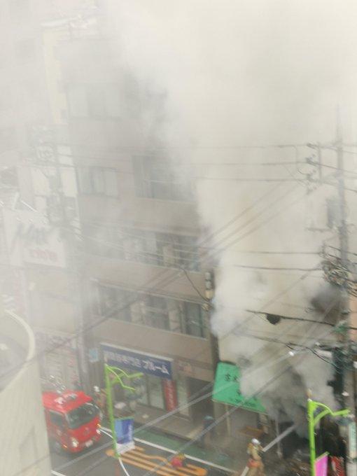 小金井市本町で火事が起きている現場の画像