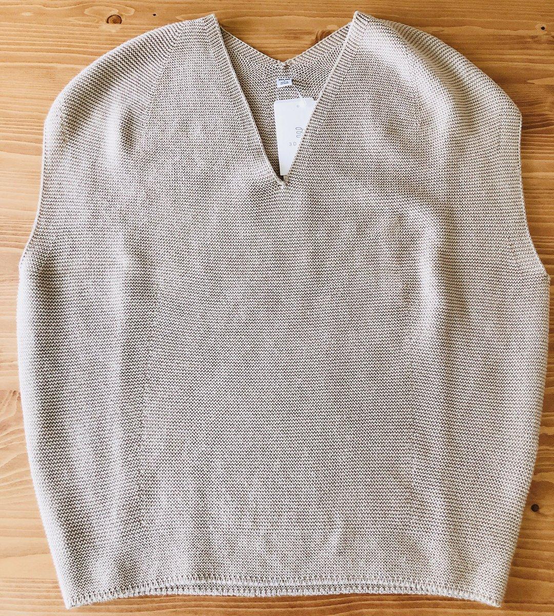 コクーン ユニクロ セーター v ネック コットン 3d