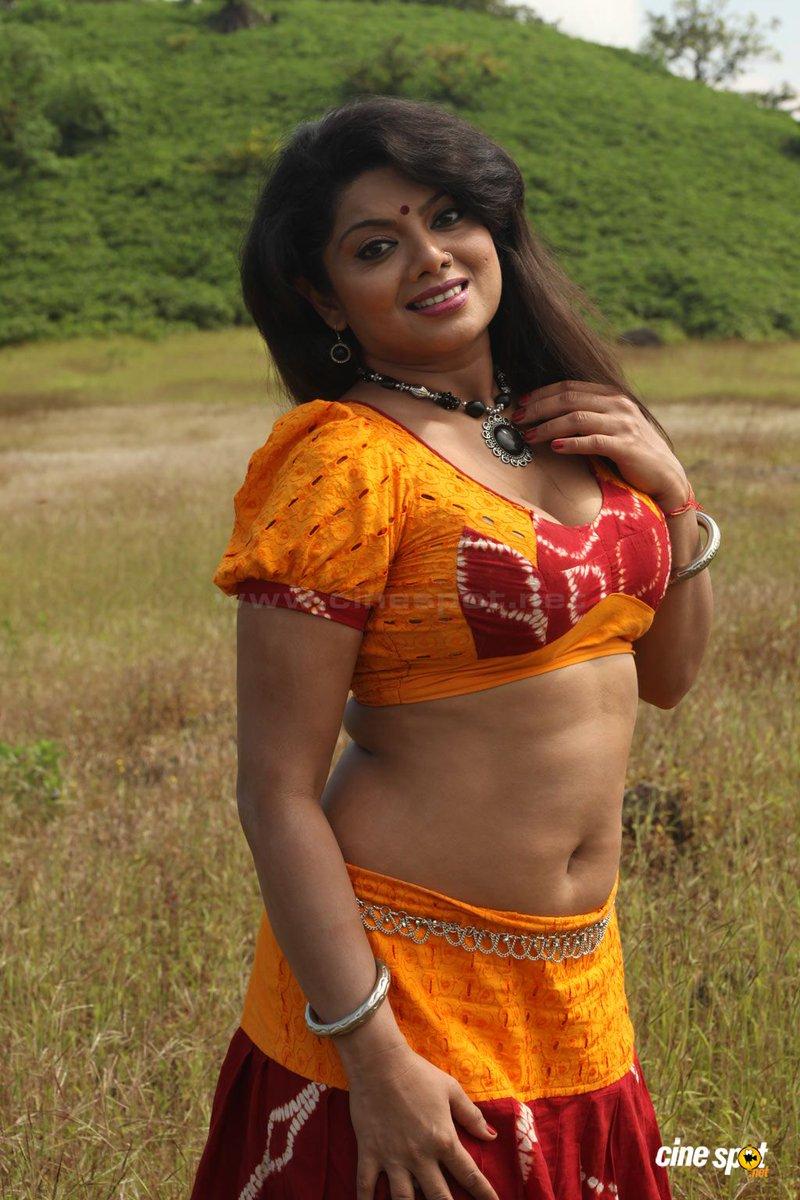 Desi aunty nude photo