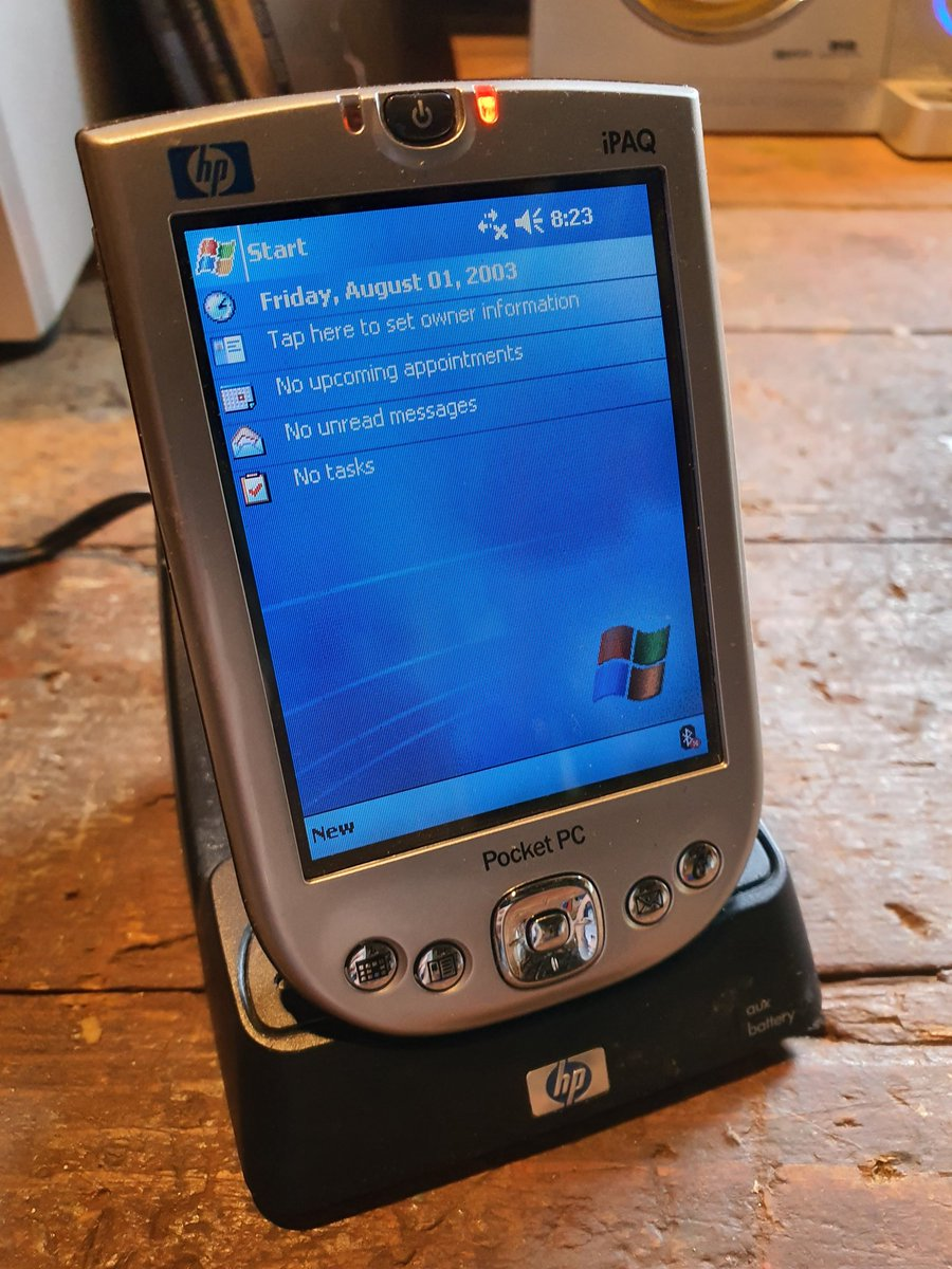 This was such a cool #iPaq... the one I regret most selling... 🤩 #PocketPC #iPaq4150
