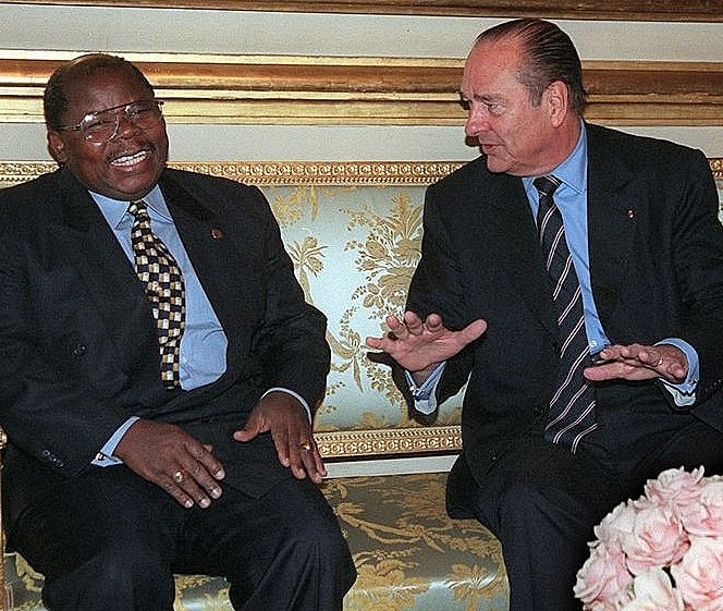 We join the Tanzanian people in mourning the passing of former President Benjamin W. Mkapa, who played a significant role in bringing greater peace and prosperity to Tanzania & East Africa. Photo: With President Jacques Chirac, Paris, 2003. https://t.co/lg108asnRC