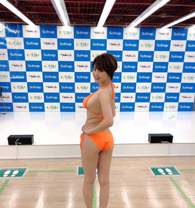 グラビアアイドル山本ゆうのTwitter自撮りエロ画像49