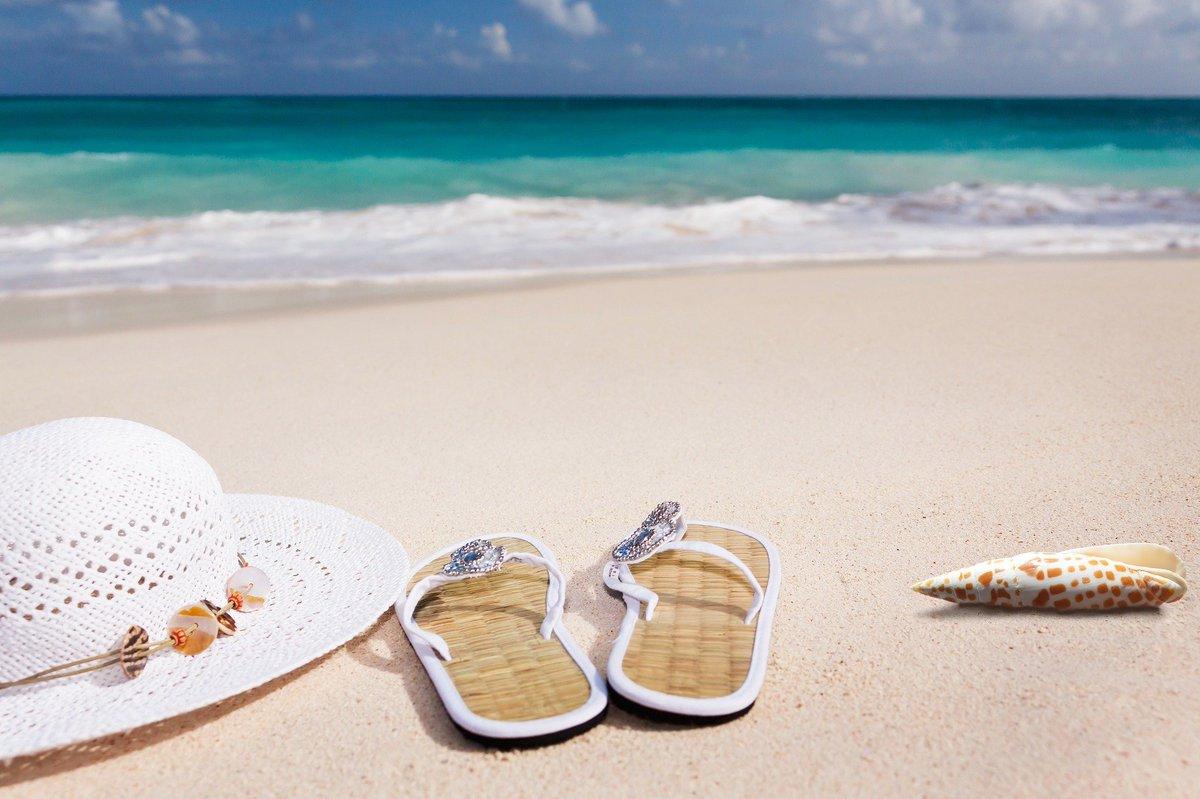 SOMMERFERIEN START! Wenn ihr noch Lust auf einen erholsamen Urlaub mit Sonne, Strand, blauem Meer und Palmenstrand statt Baggersee habt, dann schaut doch mal im TUI ReiseCenter oder in eurem Reisebüro nebenan vorbei. Mit Sicherheit gibt es noch tolle Last-Minute Angebote. https://t.co/t0JFrbe1Iu