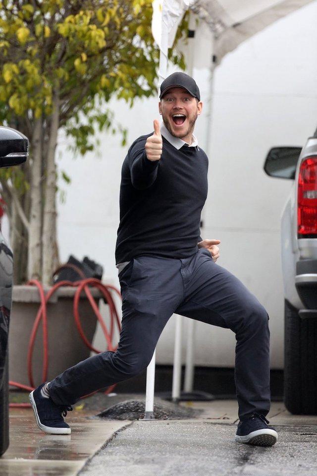 意外とノリノリ?パパラッチに写真を撮られたけど楽しそうなクリス・プラット!