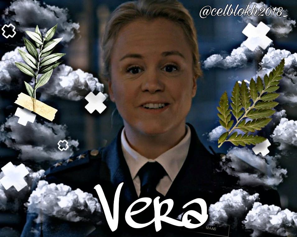 Goeiemiddag! Ik heb dit keer een edit van Vera gemaakt uit Celblok H! De rol word gespeelt door Eva Poppink. Wat vinden jullie van de edit?#celblokh #veramaas #evapoppink #neweditpic.twitter.com/xp45RUN8Oj