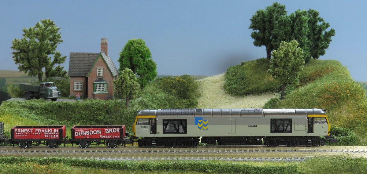 Model Maker Peter Marriott explored the English countryside on his T-TRAK module, which was featured in the UK Magazine Model Rail.   What scene is set for your train? Enter your module in the KATO T-TRAK Circus Exhibition 2020 Summer event on Twitter, @tt https://t.co/obAj3PFNpN https://t.co/3L1Wb36HVR