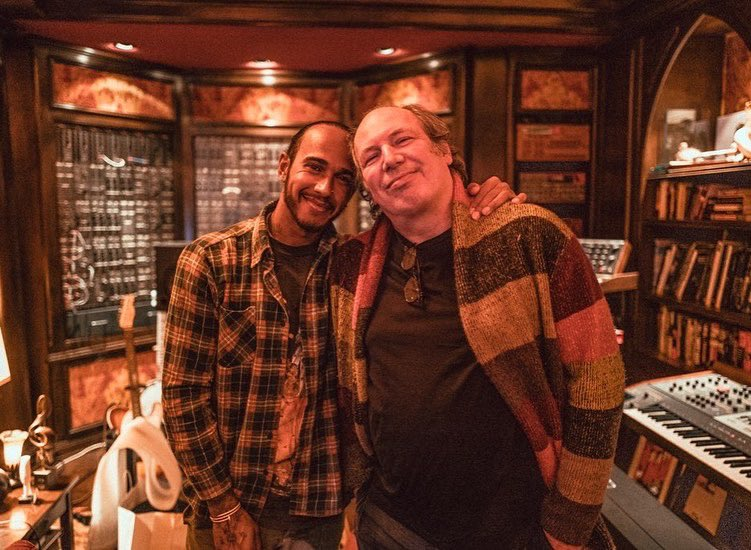 I had the opportunity to hang out with @HansZimmer earlier this year. Chances are, he's scored some of your favourite movies. Getting to see his studio was amazing and get an insight into how he does what he does. It was an honour and I'm forever grateful for the time he gave me. https://t.co/fkTgAiGqui