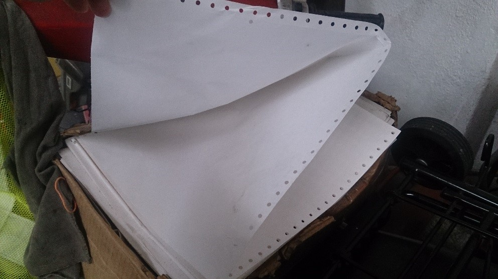 Why does this paper have holes in it? Wrong answers only. #FlashbackFriday https://t.co/z4kakangbY