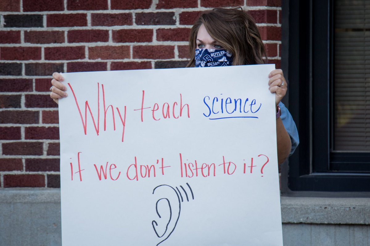 """""""We aren't guinea pigs."""" Teachers protest outside Hendricks County Health Department about schools reopening too soon. @Hendricks_Co   https://t.co/Mv17ZmqRp5  #COVID19 #Schools #Reopening #Teachers #Protest #inHendricks #ALLinHendricksCounty https://t.co/5mfpOX3eBn"""