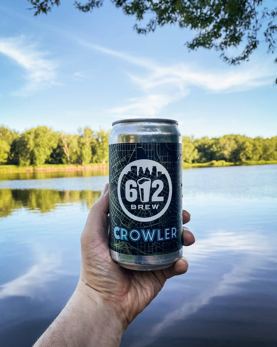 The PERFECT canoeing companion. Swing by and grab some crowlers for your weekend adventure. The best beer is fresh beer, we've got you covered with ready-to-go crowlers of all our tap beers. #imthirstyalready #summervibes #stcroix https://t.co/ZgbaH1d1qR