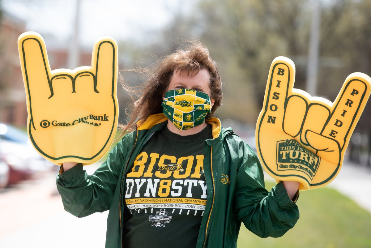 Bison Pride Friday is always a good day 🤘💚   #NDSU https://t.co/610wZemyAY