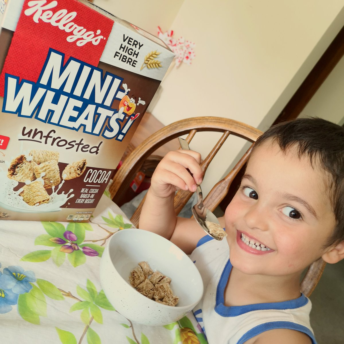 Passed the taste test!  #MiniWheatsUnfrostedCocoa #BigFoodForBigDays #gifted #giftedproduct @miniwheats_ca @Influensterca https://t.co/HXeo6HlQe7