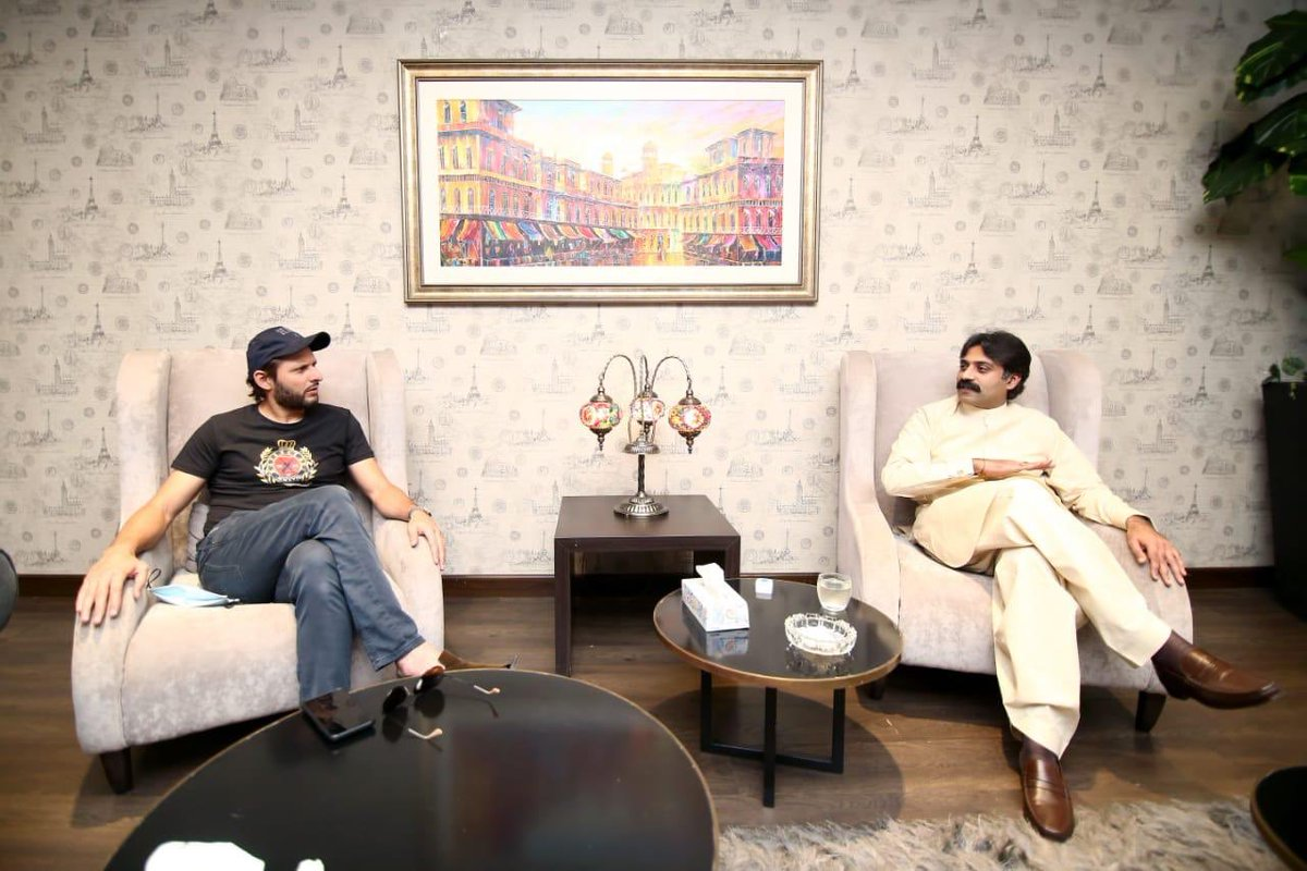 Had a pleasant meeting with International Cricketer  @SAfridiOfficial at Punjab International Swimming Complex. Important announcement will be made with Shahid Afridi for Sports Sector promotion in Punjab after Eid holidays. https://t.co/VzCeMqGiRP