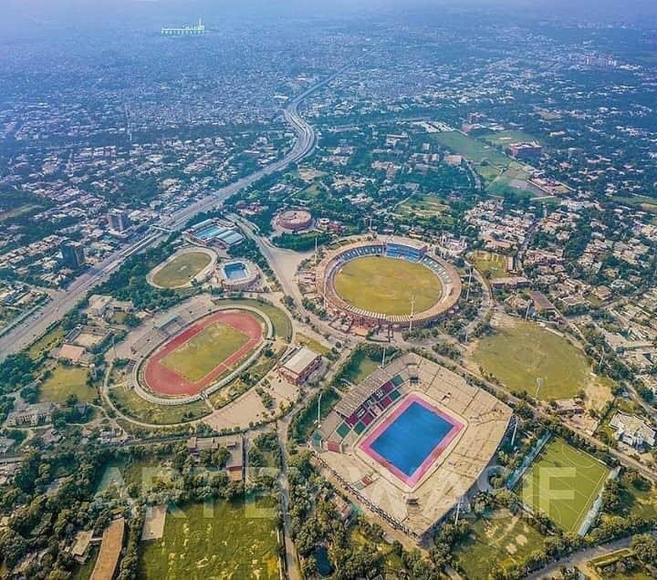 Sports Fields Prominent in a Arial view of Lahore 👍🏻💪🏻🇵🇰❤️ https://t.co/a5SrdyR6Oh