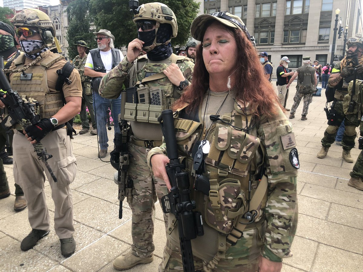 """Members of the armed 3% militia bear city hall amid the NFAC Black militia March. They say they are just here to provide """"security"""" @courierjournal"""