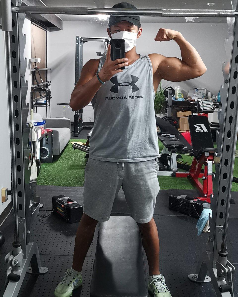 トレ 筋 頭 三 筋肉