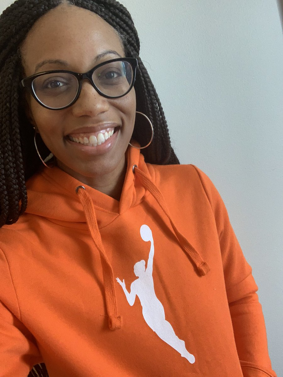 Opening Day for the 2020 @WNBA season!! 🧡🧡 Let's gooooo!!!! #MakeWayMakeChange #BlackLivesMatter #SayHerName #OrangeHoodie https://t.co/K1Qpq6S3JD