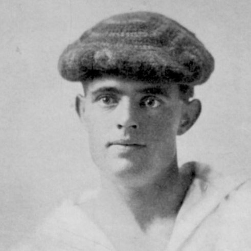 On this day in 1897, 21 y/o #JackLondon set off for the #KlondikeGoldRush. He developed scurvy & severe muscle pain, and he didn't make any money. But he was inspired by the adventure & wrote about it. Five years later, his book #TheCalloftheWild (1903) made him suddenly famous. pic.twitter.com/fIyUKUJJUF