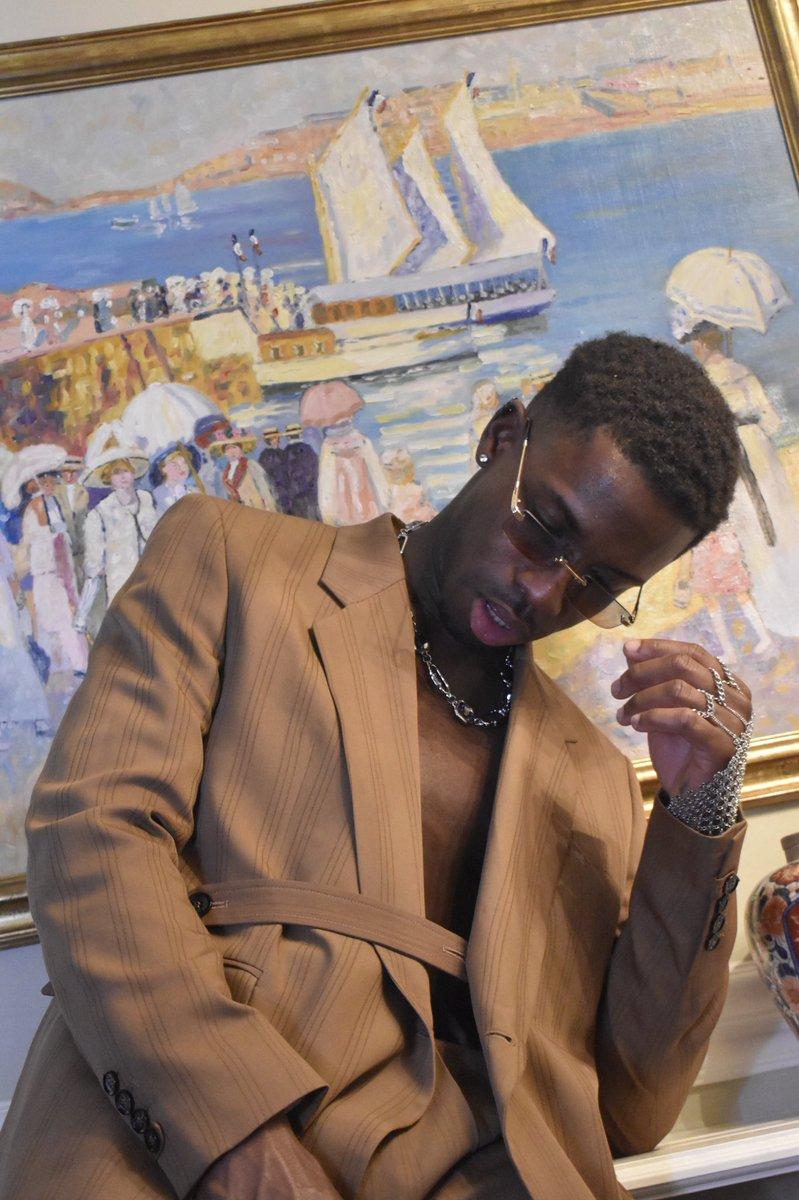 Master Room .  #stylist #creatieve #model #magazine #antwerpen #paris #milan #london #bruxelles #montecarlo #monaco #voguemagazine  #gqstyle #parisfashionweek #usa #uk #newyork #menstyle #vogue #losangeles #fashioneditorial #fashionable #pfwk #blacklivesmatter #montecarlo #cannes https://t.co/1nM71vn1YU