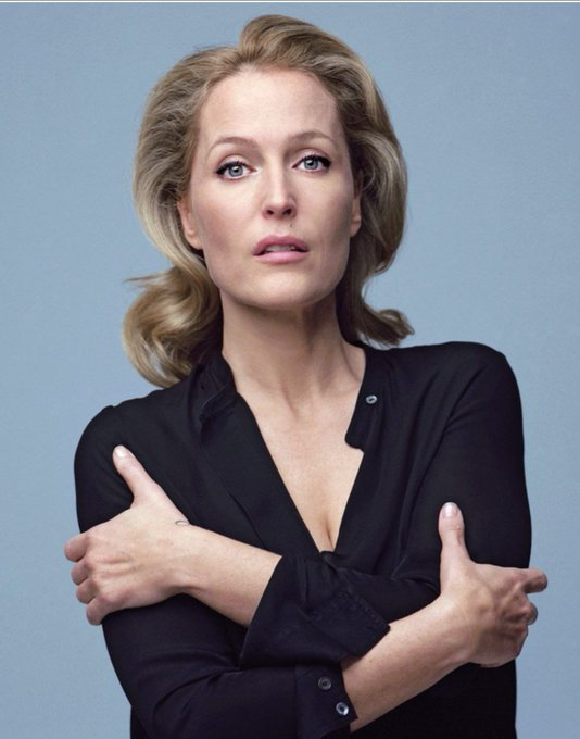 Happy Birthday to Gillian Anderson who celebrates her 52nd Birthday today.