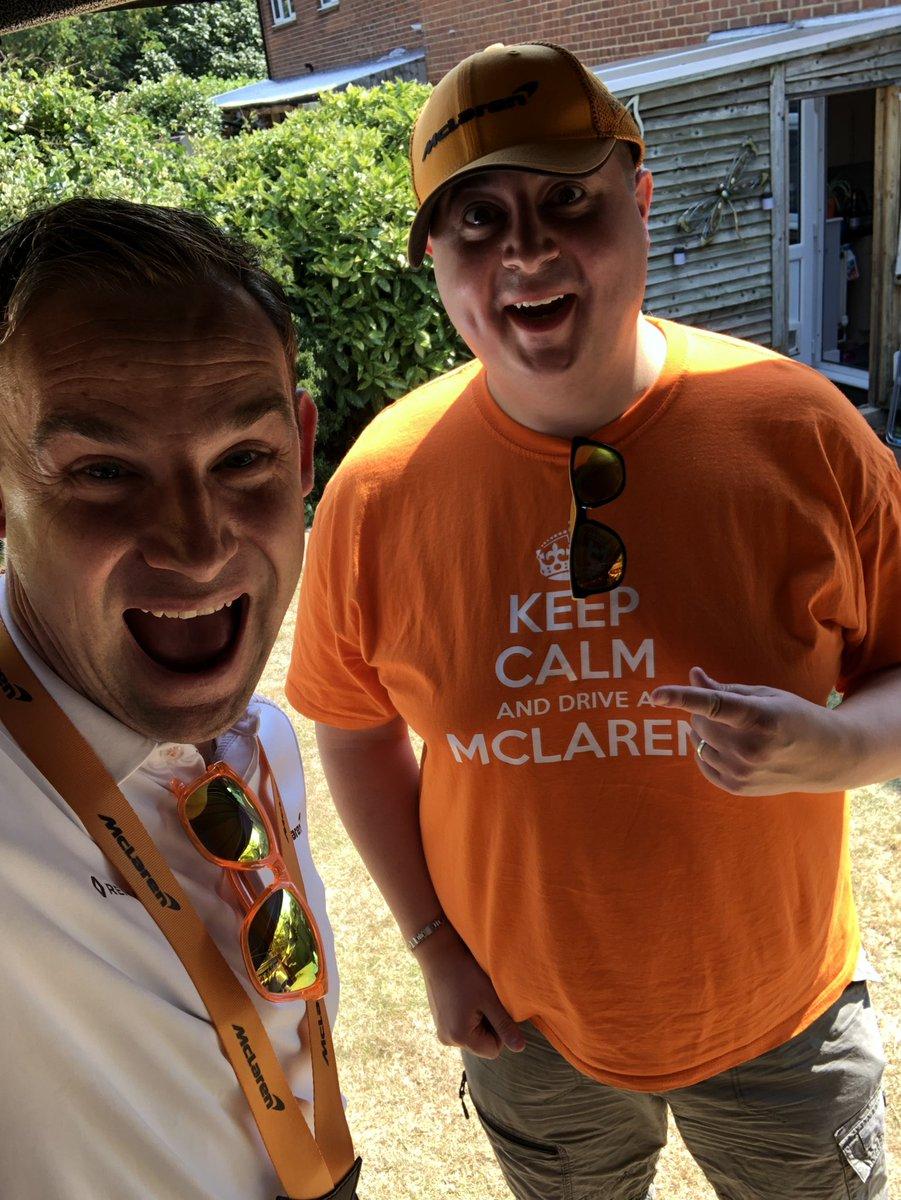 Time for a #SimonSelfie  #McLarenHomeFest https://t.co/n211Fkt9NE