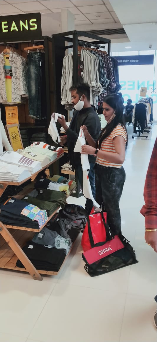 AMC seals Central Mall for violation of pandemic related rules