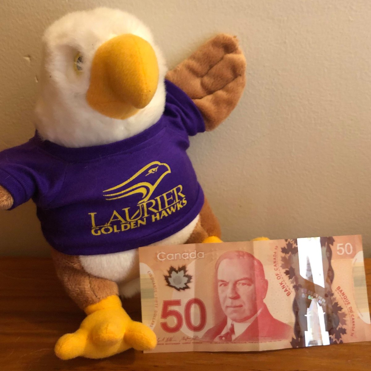 In the mood for some special tweetment?  We've got $50 bucks for 3 #golden winners coming at your #ConvenienceAcct Monday, Wednesday + Friday   RT = ur chance to winpic.twitter.com/dpzlDjy7od