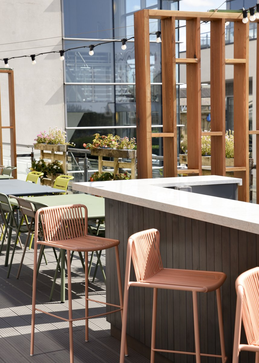Hello Sun 👋 Nice of you to show your face again!  It's the perfect day for sitting out on our Roof Garden with friends, catching up over some good food & drinks. - Betty  ☀️Book Now ☀️: https://t.co/JoHYJV4fXo https://t.co/IrqKiWCcSE