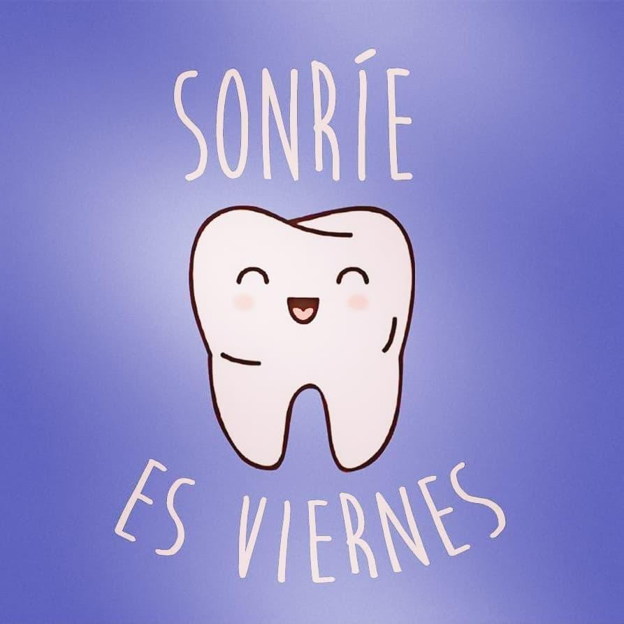 Sonríe todos los días, pero hoy, sonríe más... ¡Es viernes! ¡Feliz fin de semana!  Triana: 954 335 013  Espartinas: 955 713 134 http://www.clinicadentaltriana.com  #SonríedeNuevo #clinicadentaltriana #dentista #clínicaDental #Sevilla #SaludBucodental #clinicaDentalSevillapic.twitter.com/dnFmh5FZ0U