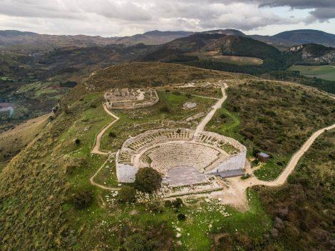 Tornano le Dionisiache, in scena i grandi nomi del teatro e della musica - https://t.co/J73RH6GbKV #blogsicilianotizie