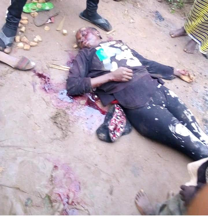 Despite all signs of imminent collapse of #nigeria, some people are still living in denial of this fact even as fulani terrorists Jihadists continue to kill nd rape BIAFRANS n Southern Kaduna Indigenes, our only option is #BiafraExit n Self-defense, fight back the killers.pic.twitter.com/KAcaaQIgh1