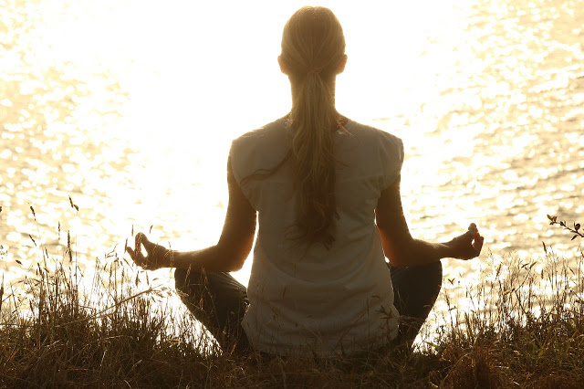 6 Helpful Ways to Refresh an Overwhelming Day #Thankful #GivesYouWings #meditate #personaldevelopment  https://t.co/E11Gi52jbH https://t.co/JKOXCVWG9D