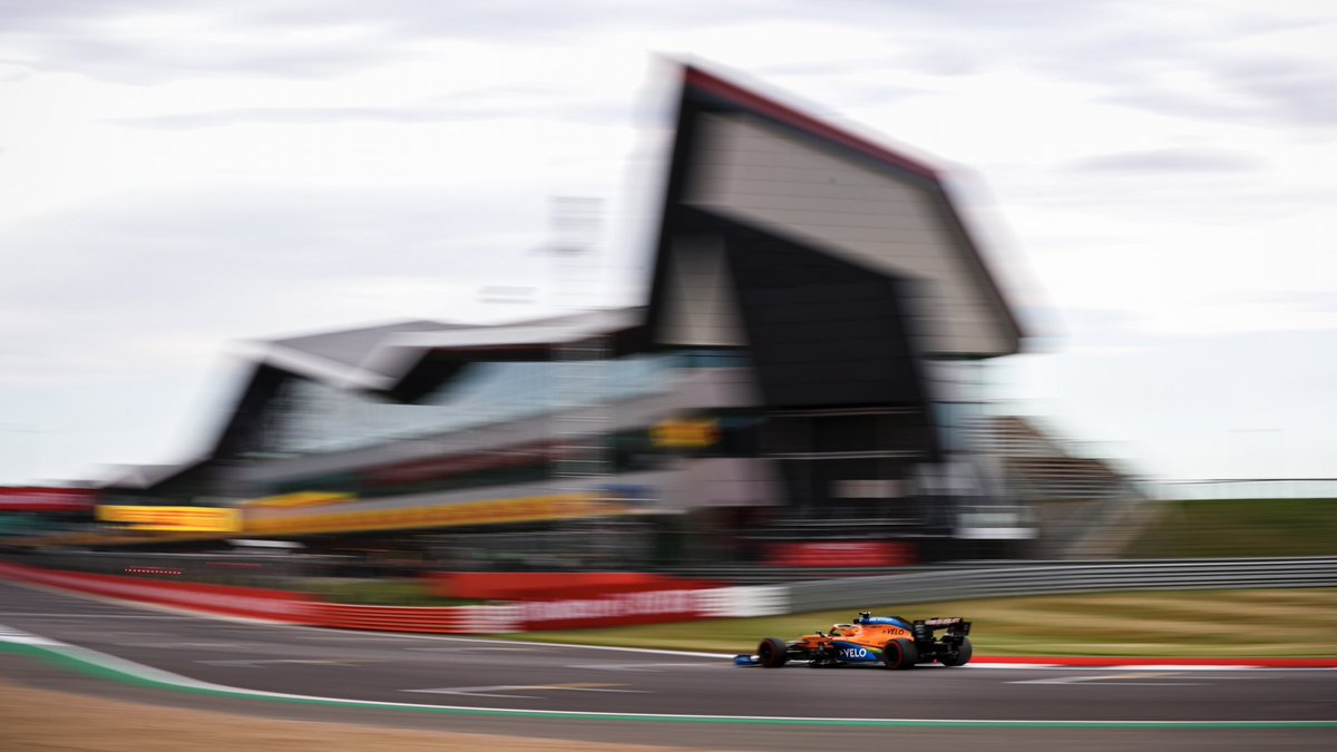 🏁 FP2 comes to an end. 🏁  Lando finishes the session in P8 with Carlos in P9. 🤝   #F170 | #FP2 https://t.co/7Pl9x8mmT7