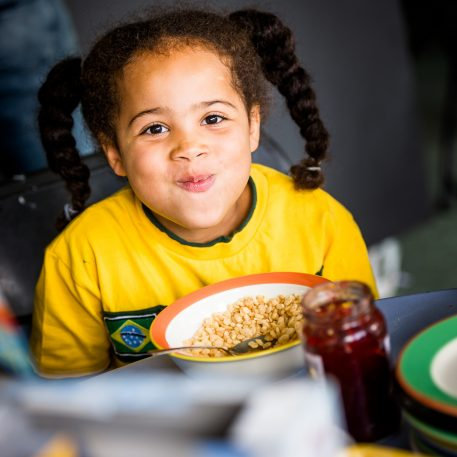 Kellogg's is donating one million servings of food to FareShare Greater Manchester via their factory in Old Trafford. This donation from @KelloggsUKI will be a massive help to those struggling financially over the summer holidays.   Find out more https://t.co/v6GjK3wNQv https://t.co/sYMmJ38PGy