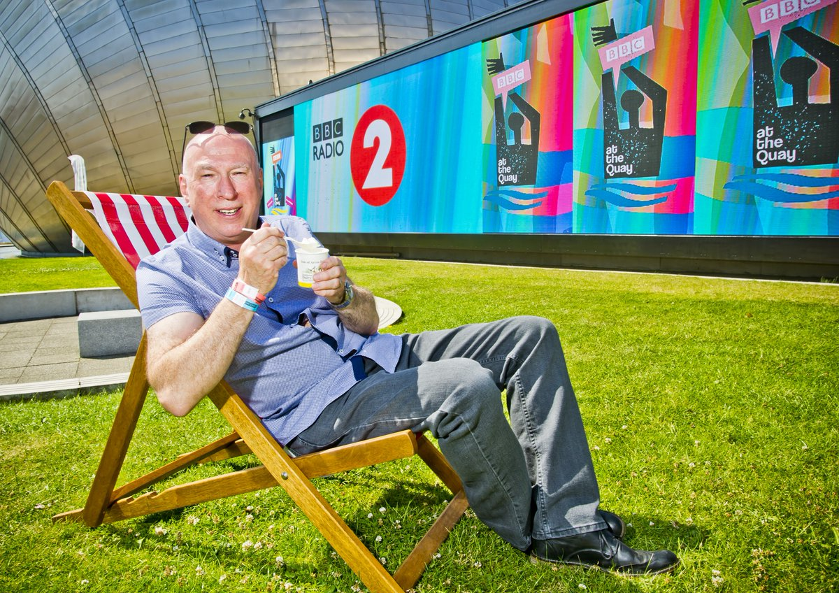 Spotted: @RealKenBruce at 12.01pm today. ☀️🍦 https://t.co/LSX66xKBL5