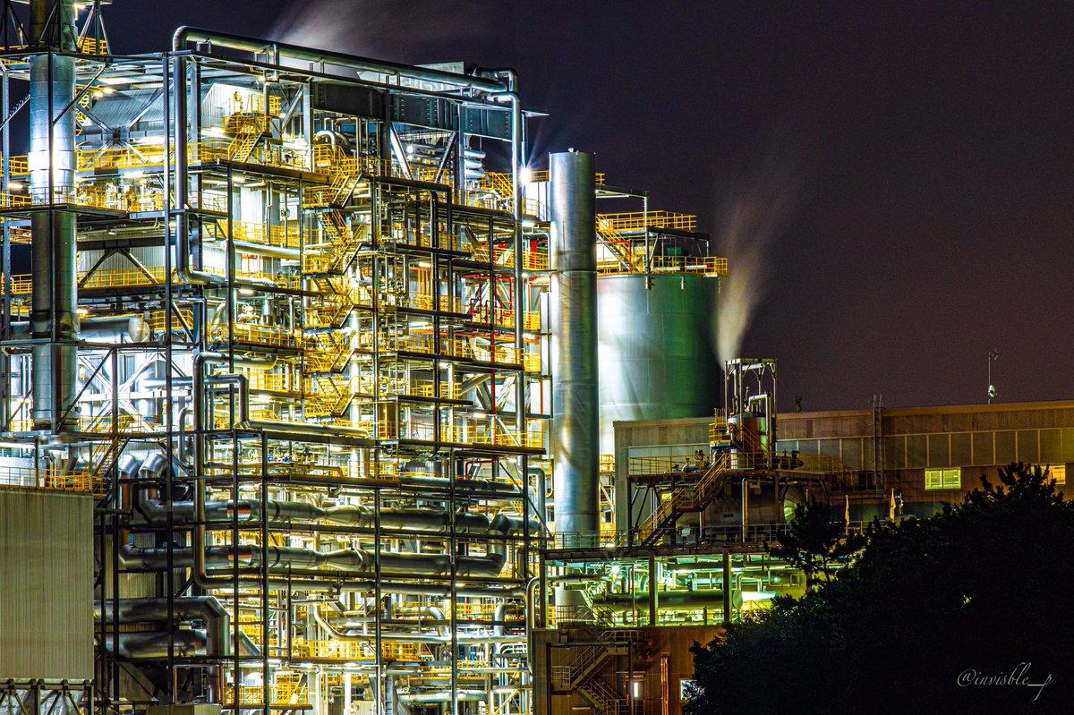 夜に響く機械音と光  #夜景 #工場夜景 #四日市市 #fujifilm_xseries #私のファインダー越しの世界 #カメラ好きな人と繫がりたいpic.twitter.com/0dQP4GdASt
