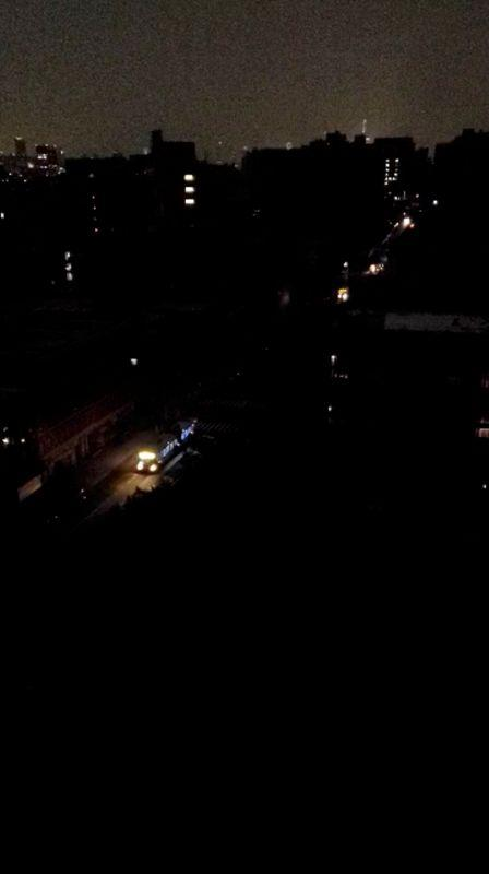 Power restored in Manhattan after outage affects thousands https://t.co/YZJdHJAZUm https://t.co/MWshUWVyxE