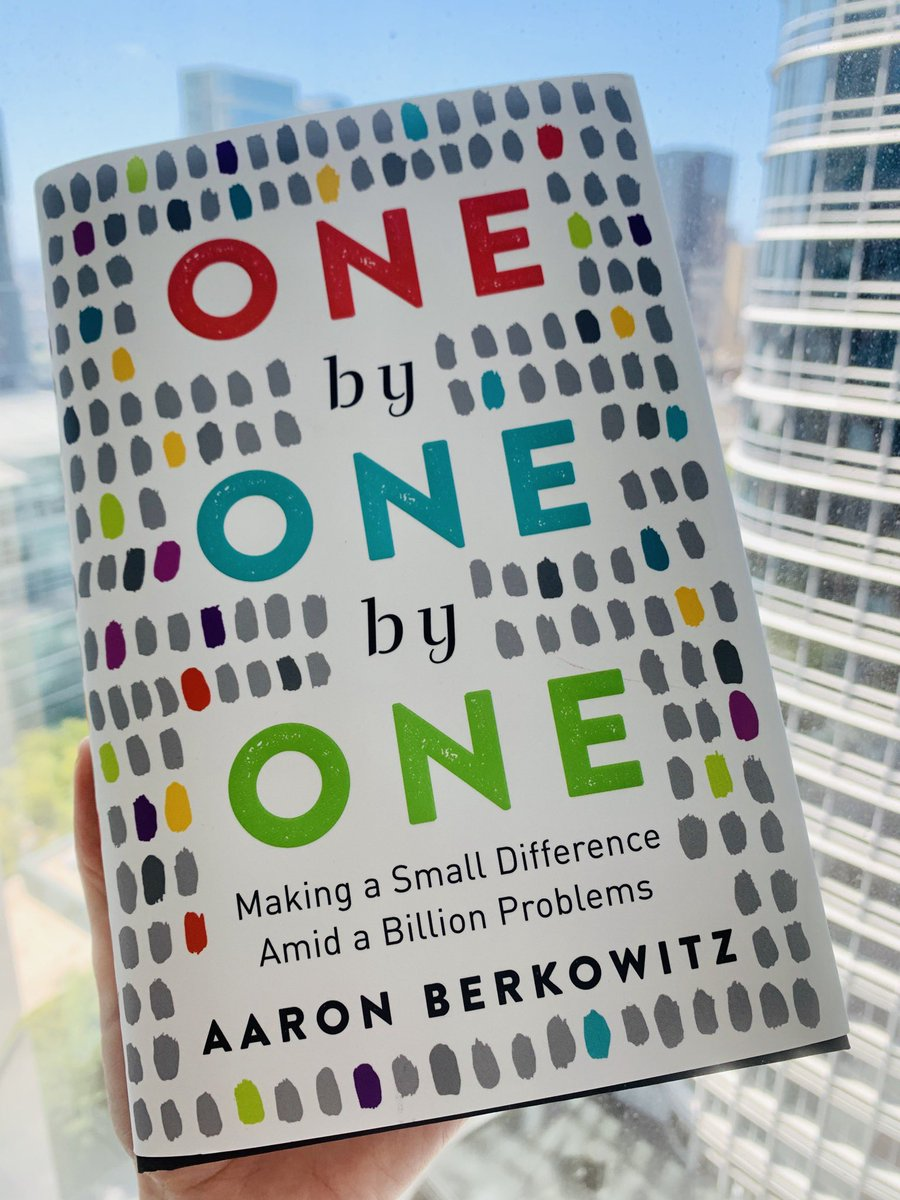Look what came in the mail! Can't wait to read this book written by one of the best teachers I had the privilege to learn from at @harvardmed. Congrats, @AaronLBerkowitz!