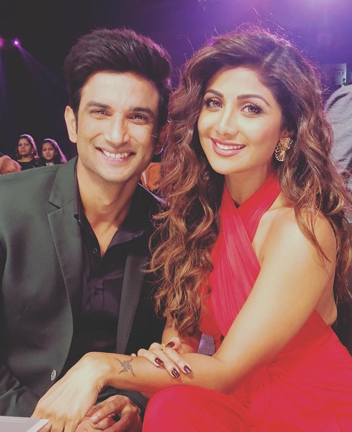Check out this adorable throwback picture of @TheShilpaShetty and @itsSSR . . . #shilpashetty #sushantsinghrajput #kritisanon #dilbechara #rip #tomnjerry #sushantsinghrajput #ripsushant  #bollywoodflashback #bollywoodfilms #whizblizpic.twitter.com/Oht6mDS6yJ