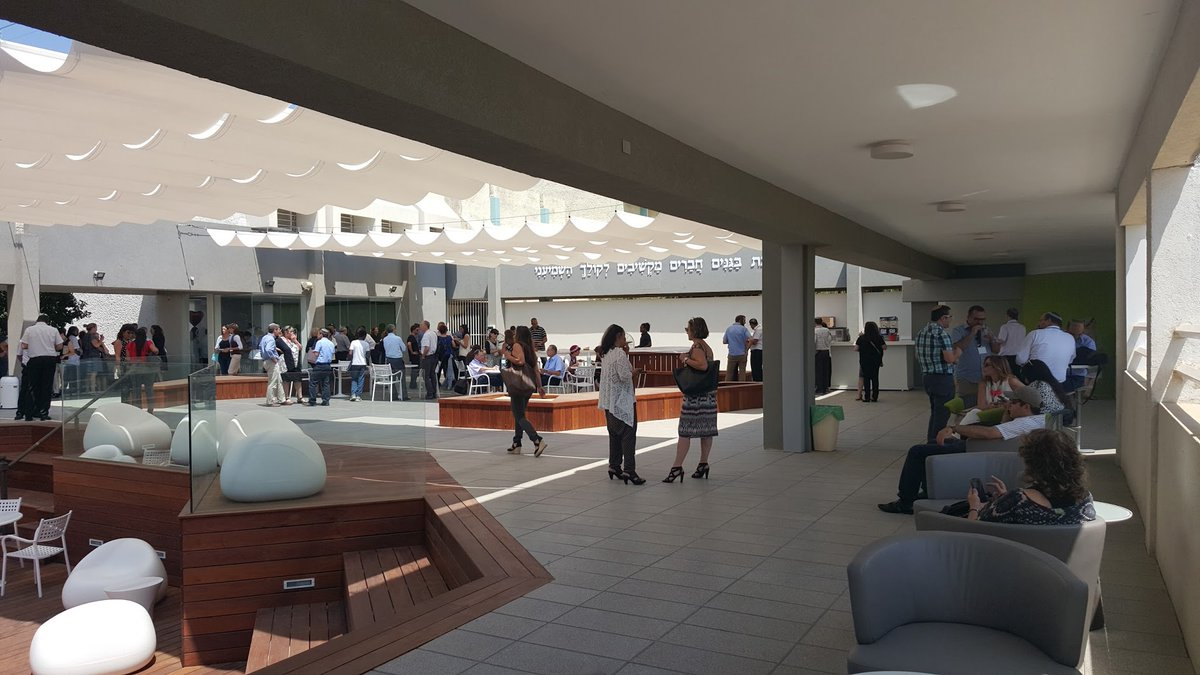 RT @prakashnair: Harvard Education Publishing Group - Blog School Buildings: The Last Domino https://t.co/FUJi85Wj6A https://t.co/KDXimKdUj7
