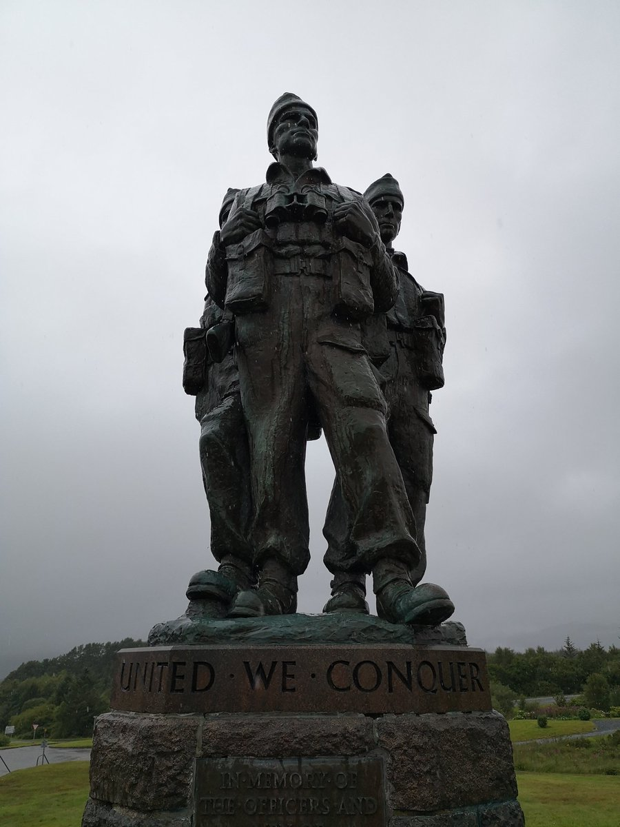 At the beginning of 1942, Achnacarry in the Scottish Highlands became the training centre for all Commandos in the UK. Nearly 25,000 men passed through the centre during WWII. This fine memorial, unveiled in 1952, now stands watch over the landscape where they learnt their craft. pic.twitter.com/VeNoaD6ygg